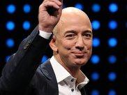 福布斯实时富豪榜显示贝佐斯身家已超过1300亿美元