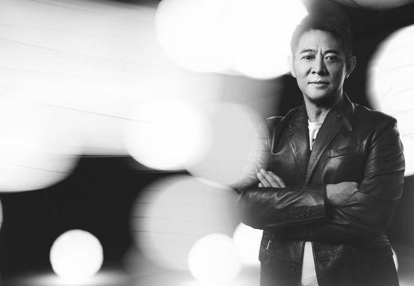 揭秘李连杰为何不入美籍却当新加坡人