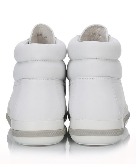 白色牛皮高帮女士休闲鞋