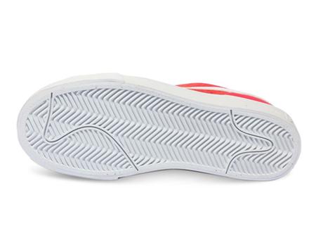 耐克360 女板鞋 警报红/白/黑