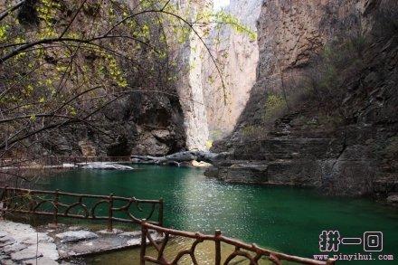 通天峡自然风景区距栾川县城10公里,与国家4a级景区龙峪湾.