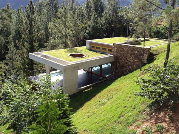 这个房子的主人是一名科幻小说家,委托bercy chen studio建造神秘的