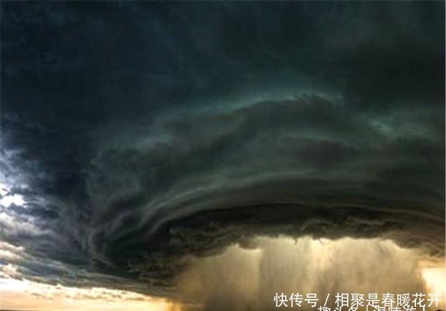 """狂风暴雨竟成""""大吉之兆"""",天象看吉凶?网友:吉祥话谁不会"""