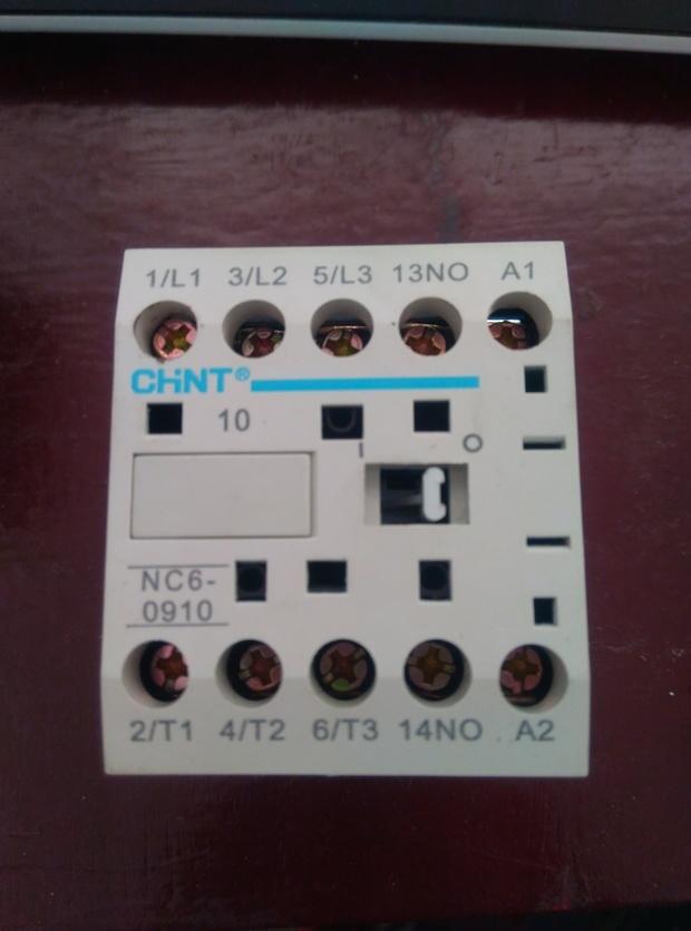 三相电的举升机接线照片