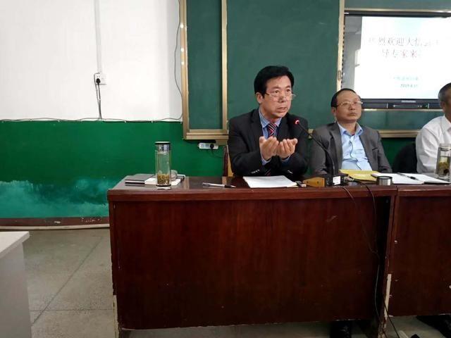 湖北大悟县关工委对初中学生进行革命传统教育