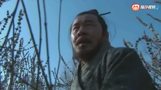 新三国演义- 曹操家眷被杀, 荒野中躲避追兵, 拼命奔逃
