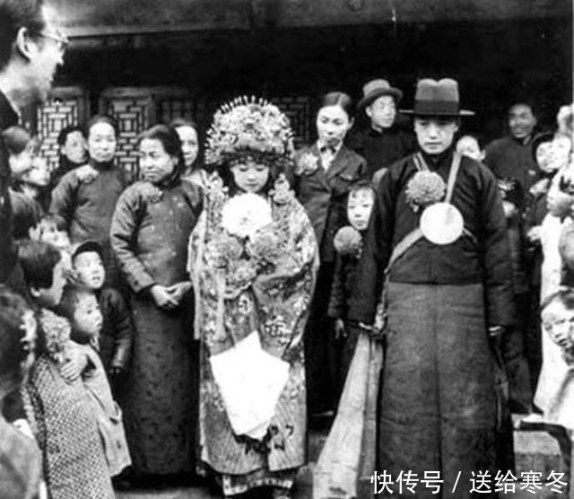 <b>张作霖爱女,被逼嫁给蒙古的智障王子,受尽磨难,最后成疯子</b>