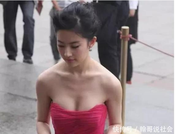 """刘亦菲为啥""""单身""""至今?不是没人想娶,来看看这些照片你就知道"""