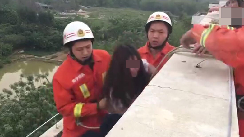 【转】北京时间     家庭纠纷想不开 南宁女子抱着3岁儿子欲跳楼 - 妙康居士 - 妙康居士~晴樵雪读的博客