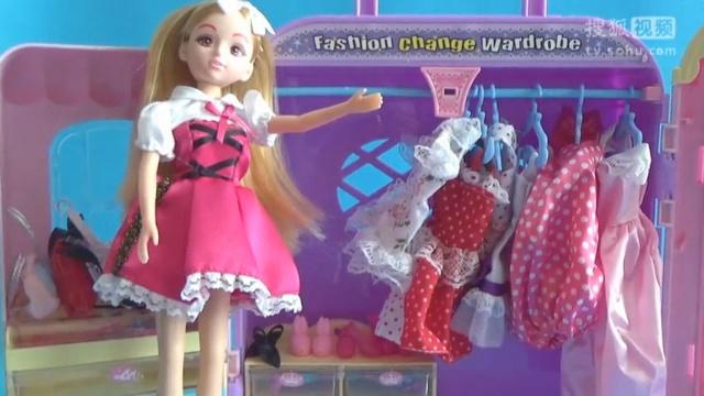 芭比 芭比娃娃 芭比公主的鞋子包包各种衣服 芭比的衣柜