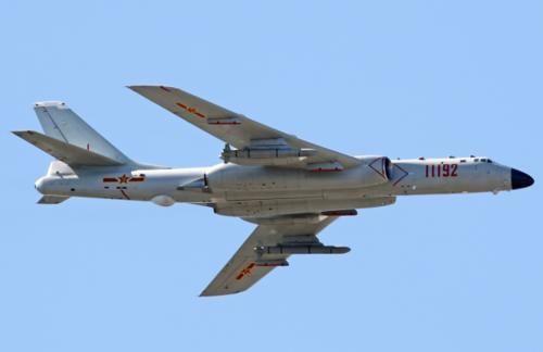 055大驱、052D和轰6K上阵,实弹军演,川普还口出狂言