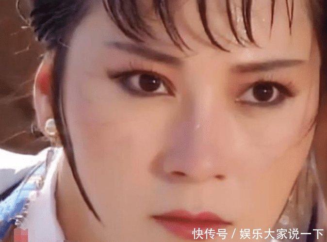"""她是史上最经典的""""黄蓉"""",现身价过亿,61岁风韵犹存却依旧单身"""
