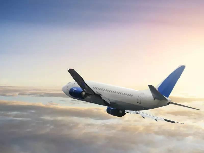 民航飞机可以自备降落伞吗