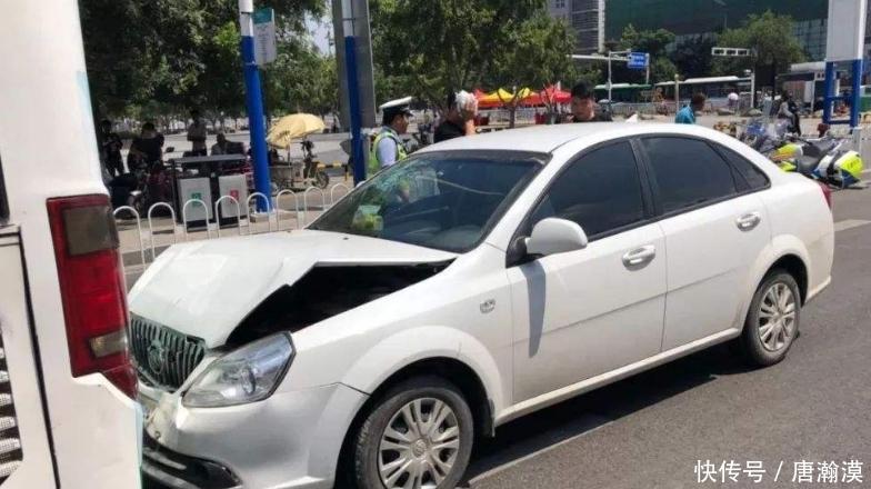 车内档位处挂佛珠只是摆设?老司机:肤浅!对行车安全作用可大了
