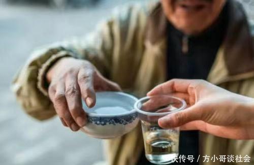 """湖北�G州最""""彪悍""""�俗,清晨起床喝白酒?不愧是""""九�^�B""""!"""