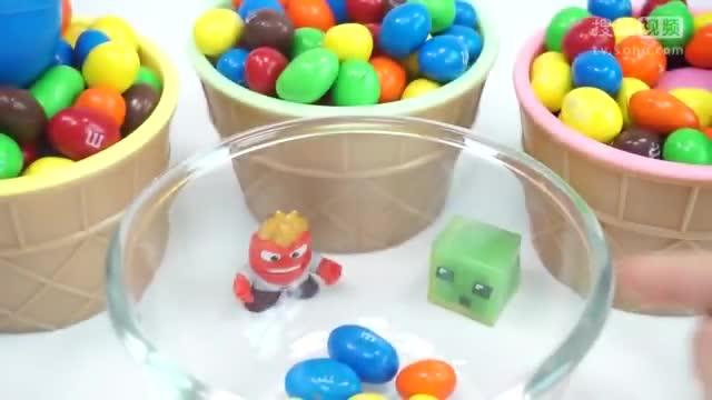 巧克力惊喜糖果内出玩具我的世界小狗和彩泥粘土画画蝴蝶