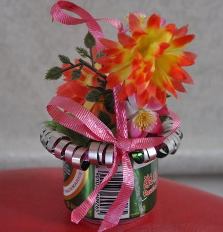 幼儿园手工用易拉罐什么做花篮