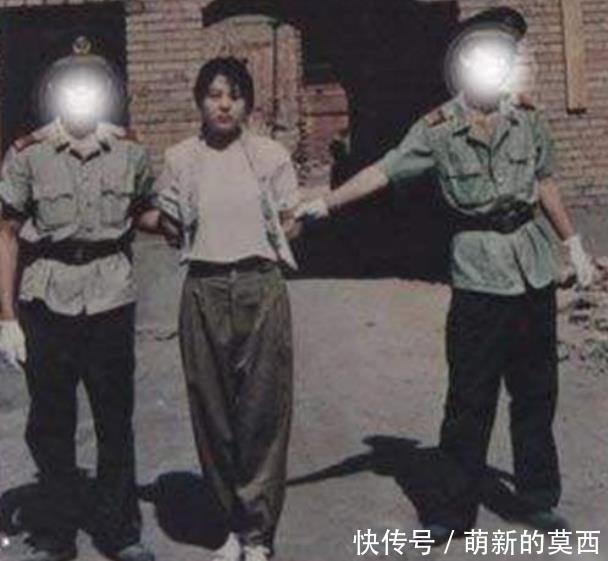 <b>她是最年轻杀人犯,处决前突然张开嘴,众人疑惑,行刑人却明白</b>