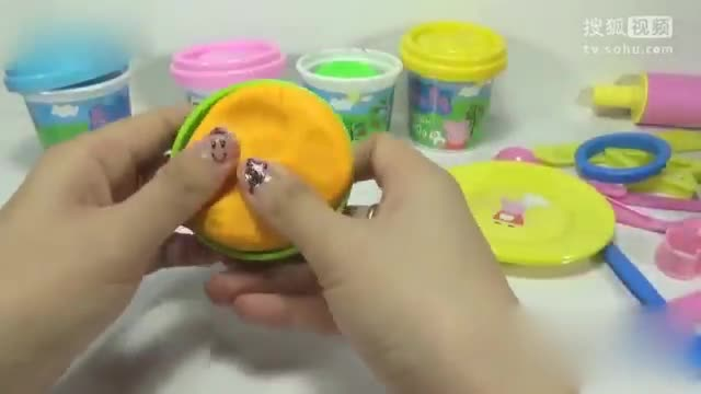 粉红猪小妹 小猪佩奇玩彩泥水果{玩具}-桃桃乐园-桃视频