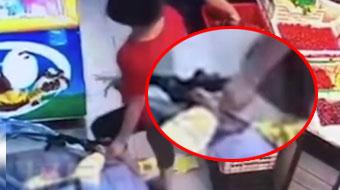 大妈不满婴儿车挡道,竟抠掉女婴脚皮!现已被厦门警方拘留!