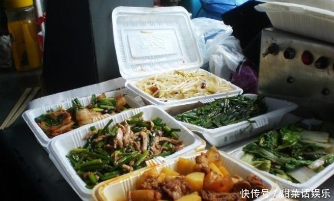 火车�快餐味道还不错,为啥�K农民宁愿挨饿也不吃?老农说出心里�u话