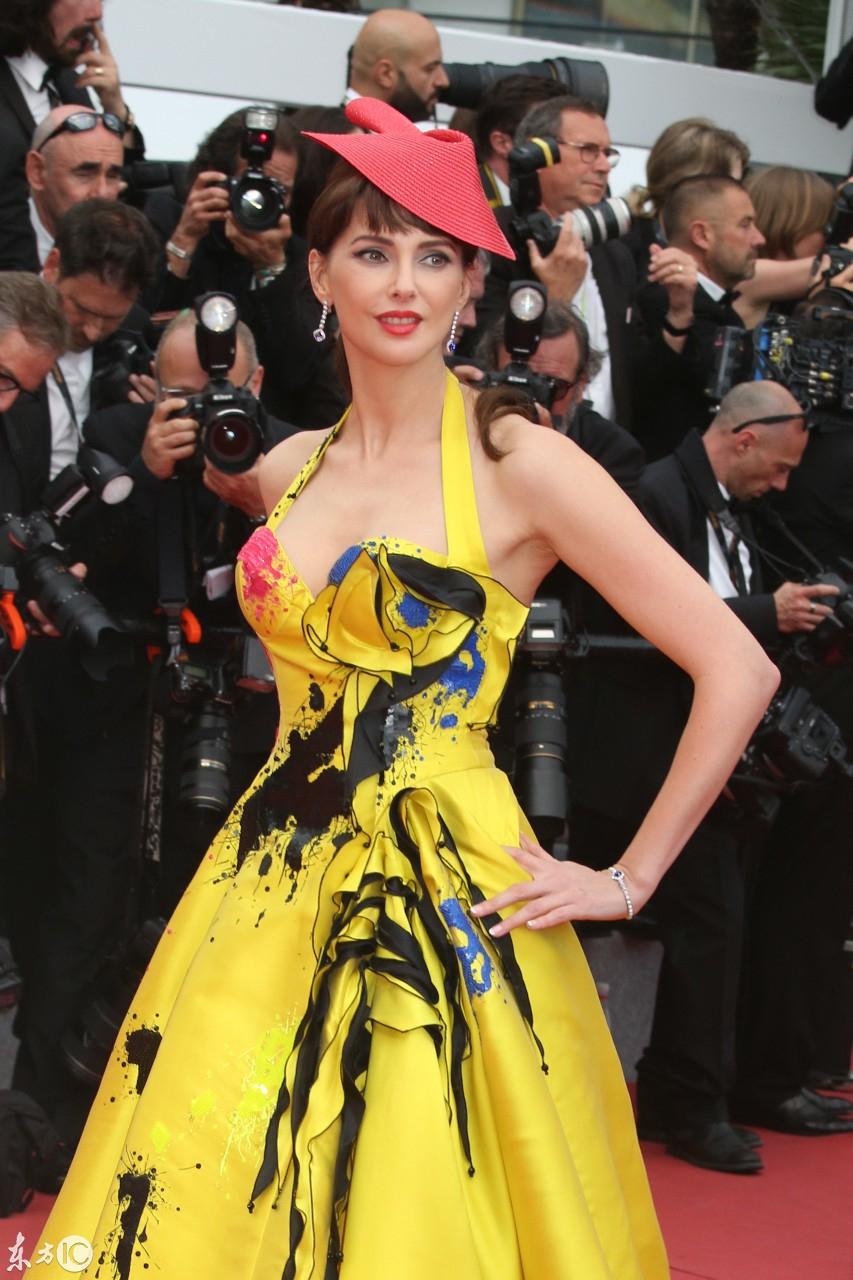 众星出席戛纳电影节,红毯星光熠熠,身材表示电影好很网友!动画片大全养眼喜羊羊图片