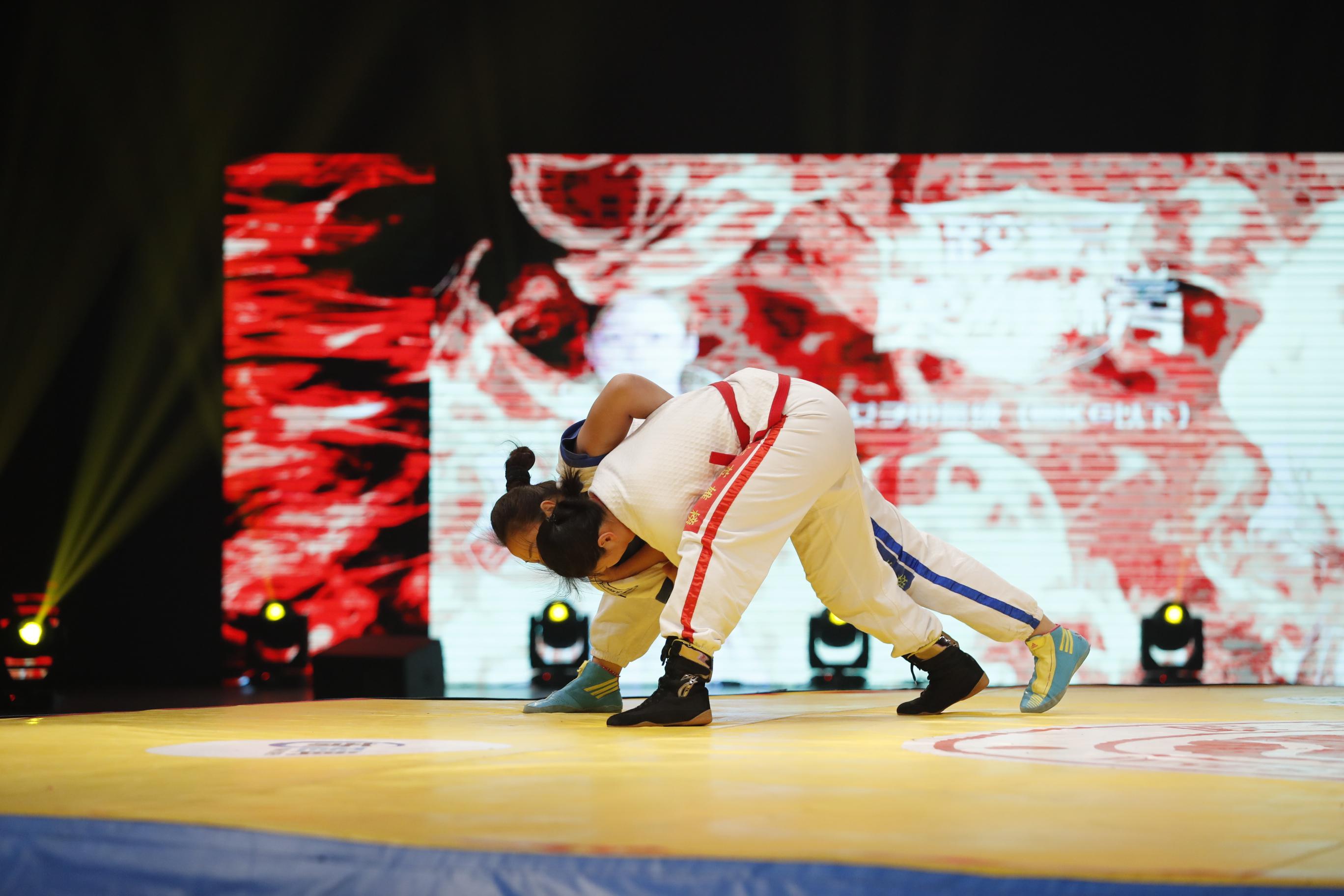 跤坛英雄榜第三轮第二场女子68kg