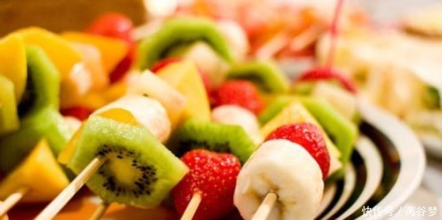 """这4种水果界的""""硬骨头"""",好吃却难剥,第3种是很多人最爱"""