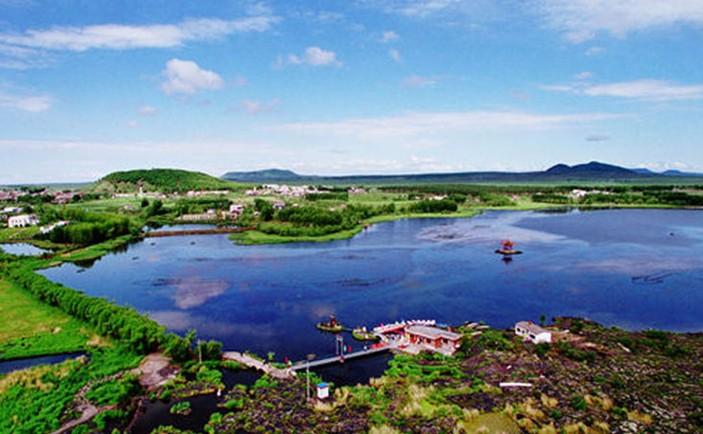 即五大连池,镜泊湖;省级风景名胜区32处,即太阳岛,明月岛,晨星岛,兴凯