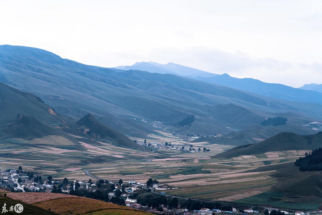 祁连山深处的拉台村,风景秀丽自然生态景观吸引了全国各地游人.