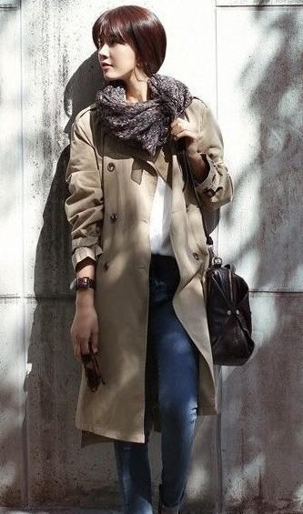 米色的衣服搭配什么颜色围巾好看?