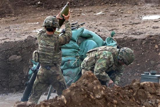 伊拉克战事正酣:美军伊军协同作战
