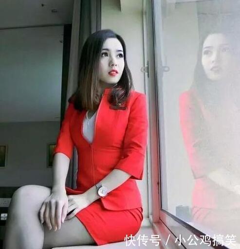 """亚航""""最美空姐""""爆红网络,却无意中走红海外!老外:简直是仙女"""