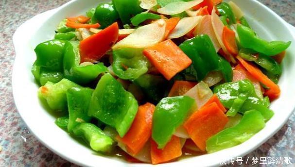 女性不愿早衰,推荐多吃3种蔬菜,排毒清肠,祛斑抗衰,显年轻