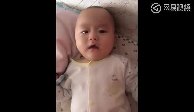 宝宝委屈的表情太可爱了-360视频