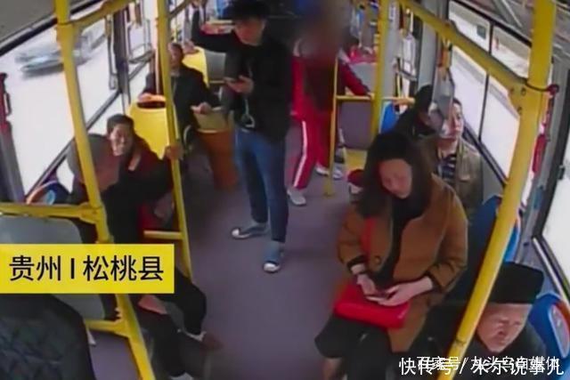 司机女生在公交车上晕倒,说唱6分钟送到女生!初中非医院主流图片
