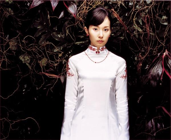 抽象画的越南少女真实的吗