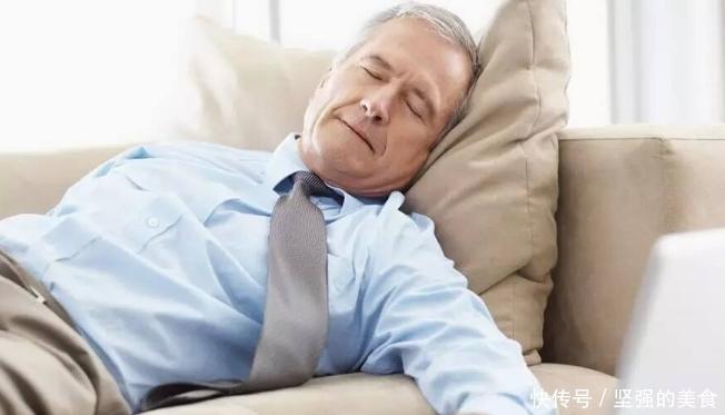 """男人50岁进入养寿期,若身体出现""""四快"""",表明身体还不错"""