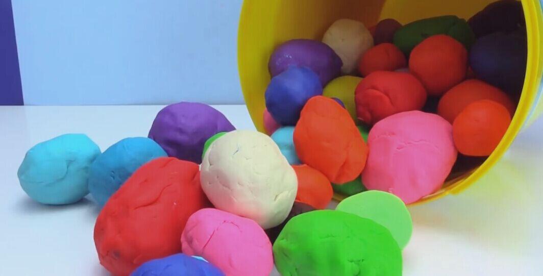 拆封彩泥玩具蛋 托马斯和他的朋友们 海绵宝宝冰雪 ...