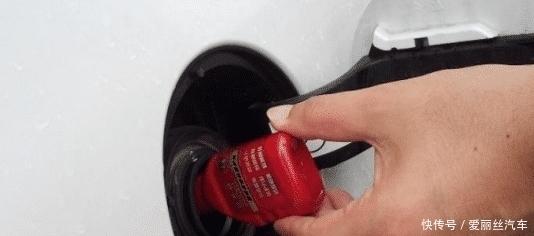 """为何加油站总有人推销""""燃油宝""""?只要记住这句话,说了都会走开"""