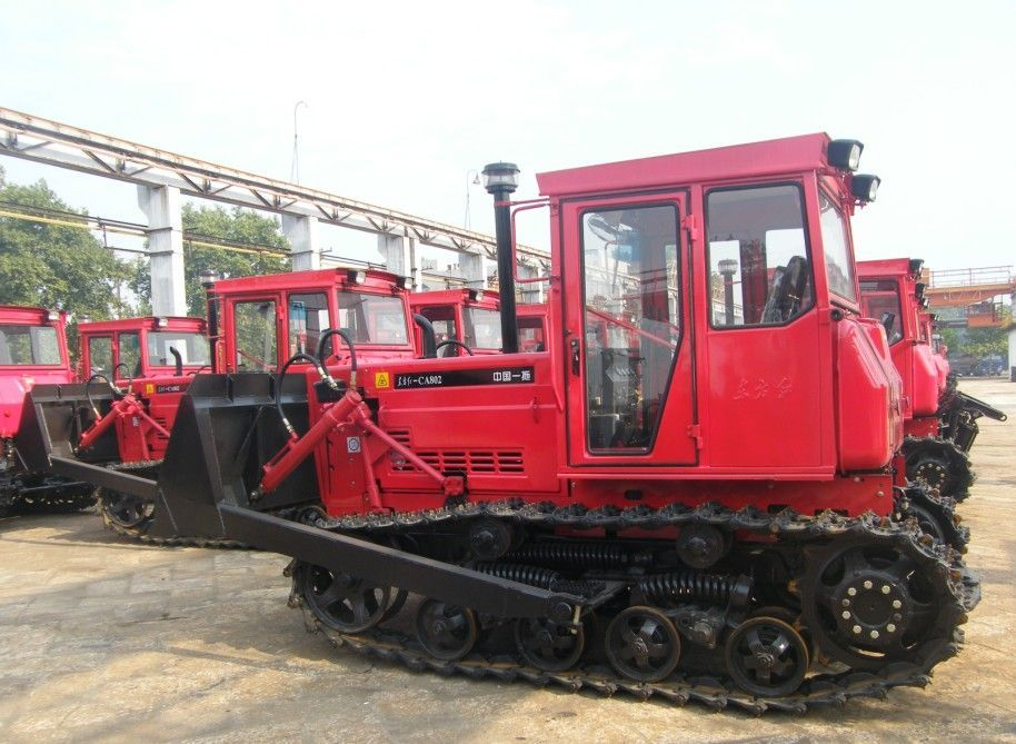 上世纪80年代,东方红8挡小四轮拖拉机在一拖诞生,并迅速带动中国农机