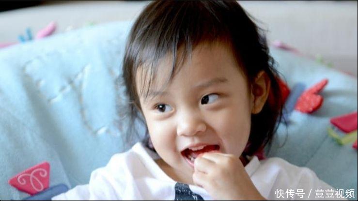 """本以为李小璐女儿够美了,但看到杨幂5岁女儿,才懂啥叫""""神颜"""""""