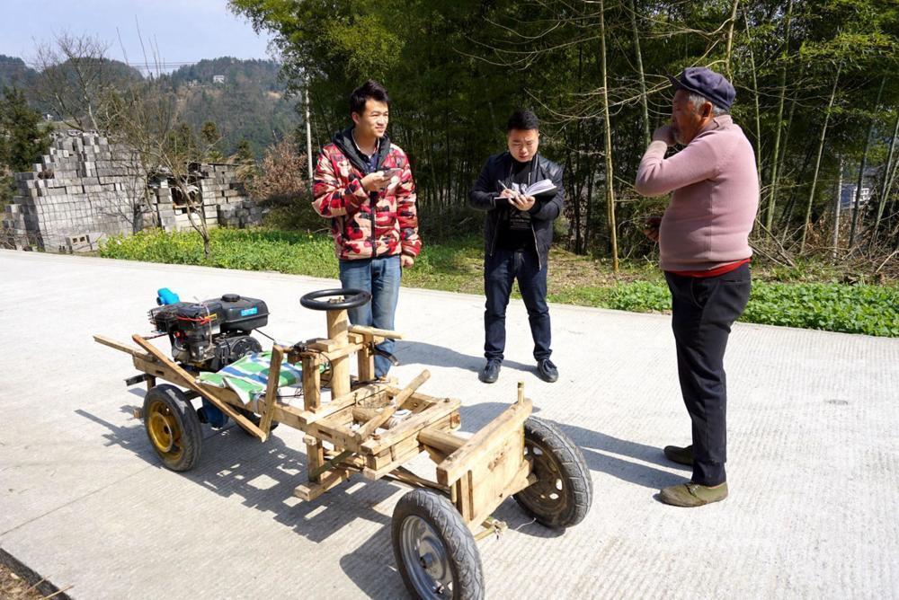 """【转】北京时间     湖北66岁老人搞发明 一月造成木""""宝马"""" - 妙康居士 - 妙康居士~晴樵雪读的博客"""