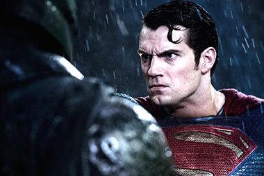 《蝙蝠侠大战超人:正义黎明》预告片