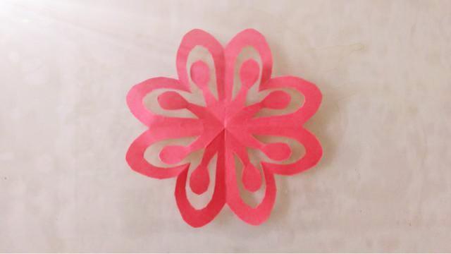 剪纸教程:原来镂空小红花是这样剪成的,超好看!