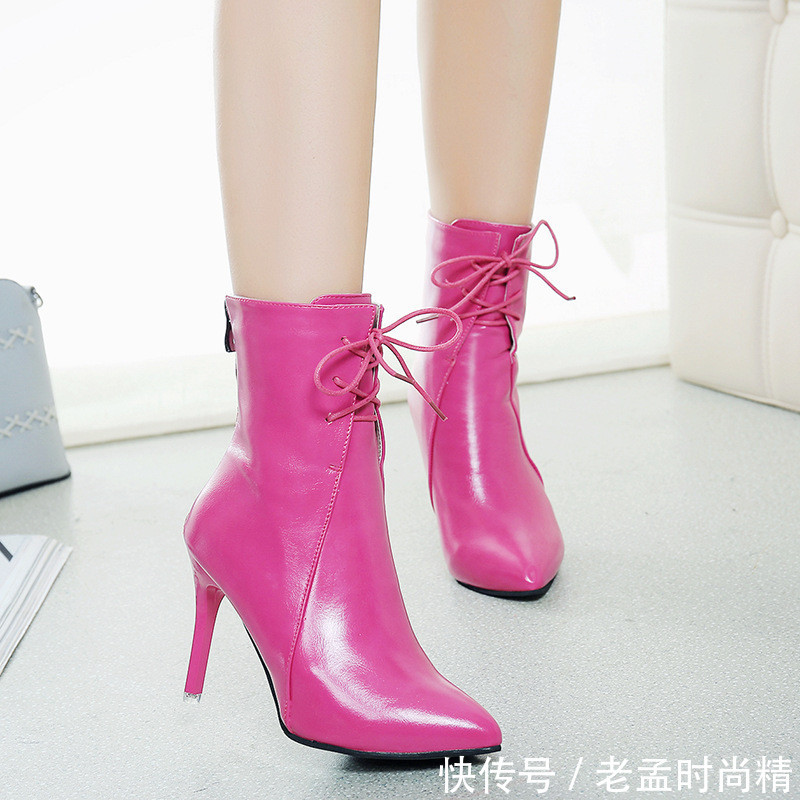 这才是今年最美的女鞋马丁靴, 780后穿女人穿, 美得出水芙蓉