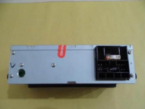 五菱之光收音机 怎么用电瓶