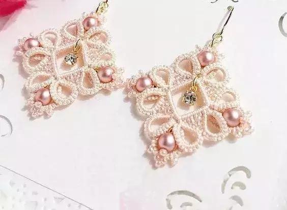 「编织饰品」 毛线编织成项链,耳坠,手链等饰品竟然这么美!