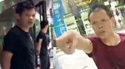 女记者街头遭摔手机辱骂