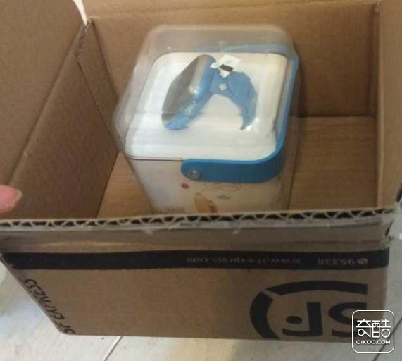 产品包装:收到顺丰后打开包装是一个小盒子
